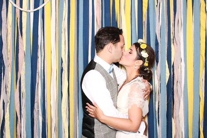 VINTAGE WEDDING PHOTO BOOTH REVIEW