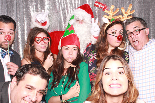 COMPANY HOLIDAY PARTY PHOTO BOOTH